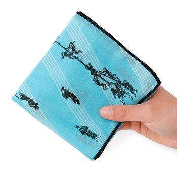 肌触りの良い綿生地に、手ぬぐいなどで用いられる手捺染という伝統的な技法で染めたテキスタイルです。綿100%なので吸水性もバッチリですよ。