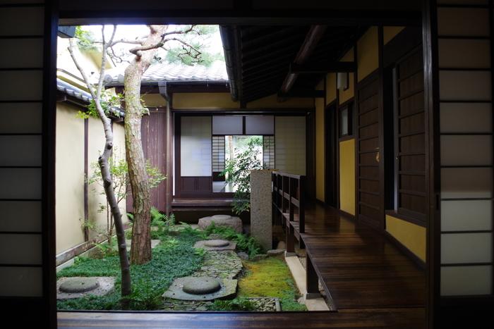 こちらはならまちの伝統的な町家を再現した建物で、中を自由に見て回ることができます。お庭もいい雰囲気ですね。憩いのスペースとしても利用できるので、散策に疲れたらこちらでちょっとひと休みしてみては? 【アクセス】近鉄奈良駅から徒歩約20分、または近鉄奈良駅より市内循環バス15分「田中町」下車徒歩2分