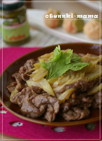 ごはんが進む♪牛肉のオイスター炒めにセロリを入れて。 セロリは炒めすぎず、香りと食感を残しましょう。