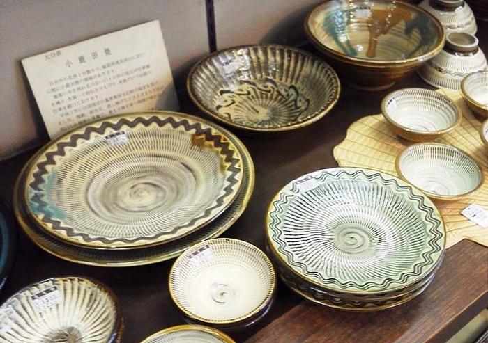 柳宗悦、バーナード・リーチらに見いだされ、1995年(平成7年)には国の重要無形文化財に指定された小鹿田(おんた)焼。近年、インスタグラムでも人気ですね♪