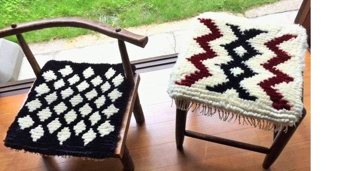 10月に行われた「倉敷本染手織会」。コットンとウールを織り上げた倉敷ノッティングと呼ばれる椅子敷きが登場しました。