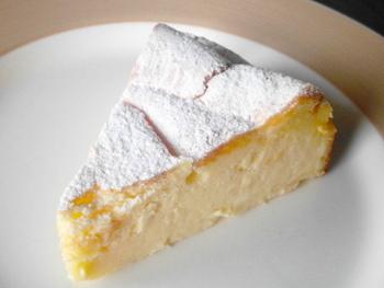 ル・プティ・ポワソンでは「チーズケーキ」、「少し大人のチーズケーキ」と種類があって、その味わいの違いを楽しむことができます。