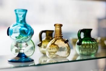 広島県福山市に拠点を置く「カンナカガラス工房」村松学さんの吹きガラス作品。