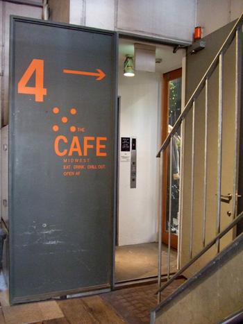 セレクトショップ【MID WEST】のカフェです。セレクトショップ【MID WEST】のカフェです。1階から3階にセレクトショップ、4階にカフェがあります。