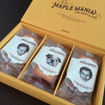 フィナンシェのパッケージもかわいい! メープル坊やのイラスト入り缶バッグ「ランチBOX」(クッキーとフィナンシェの詰め合わせセット)もありますよ。