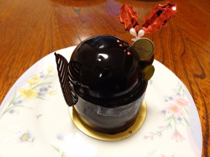 ヘーゼルナッツを練りこんだチョコレートケーキ、ジャンドゥーヤ。 ナッツ好き、チョコレート好きにはたまらない一品ですね!
