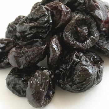 ヨーグルトに入れるドライフルーツは、好みのものを選ぶのも良いですし、食物繊維や鉄分など、体調に合わせてプラスしたい栄養価が豊富に含まれるフルーツを選ばれても良いでしょう。