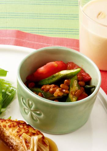 夏野菜のトマトとオクラを合わせて、さっぱり味に。サラダのように食べられますね。暑い夏に食べたい♪