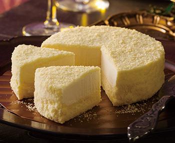 冷凍で保存し、半解凍の状態で食べるのが特徴。とろ~りとなめらかにとろける食感に感動します。そのくちどけは、チョコレートづくりで培ったものだそうです。