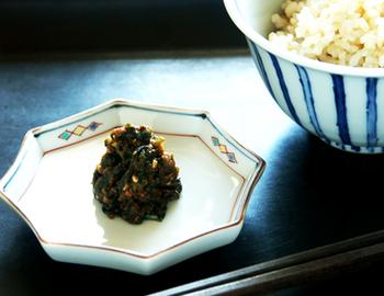お漬物や薬味を入れるのにピッタリな小皿。使い道を考えるだけでわくわくしますね。