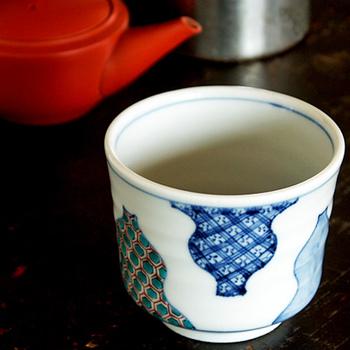 古都金沢でうまれた、伝統とモダンを掛け合わせた「宮本泰山堂」の器。その上品な佇まいは、日常使いにも、来客時など特別なときにも活躍してくれるはずです。