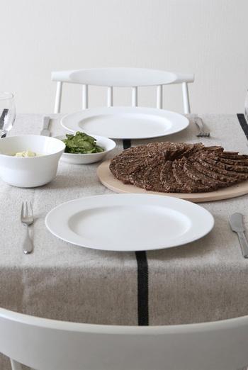 陶器メーカーなので、フラワーベース以外にも食器やキャンドルホルダーなど他にも素敵なアイテムがたくさん揃っています。 ※写真は「Kaolin(カオリン)」シリーズの食器