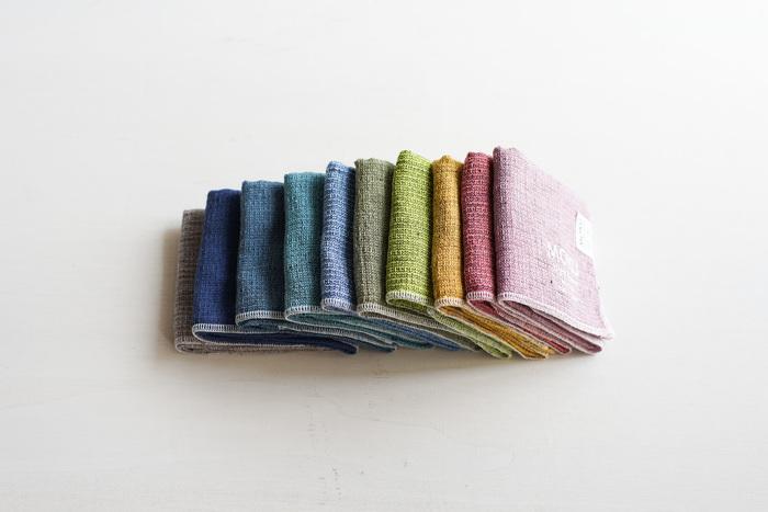 日本国内で生産・加工し、高品質で国内外問わずファンも多い愛知県今治市の今治タオル。「MOKU(モク)」は、今治に本社を置くタオル繊維メーカー「kontex(コンテック)」の人気シリーズです。