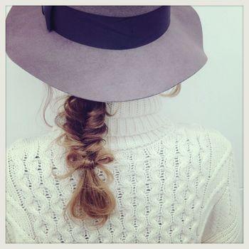 下目に作れば帽子を合わせることも出来ます♪選ぶ帽子によって雰囲気もガラっと変わりますよ。