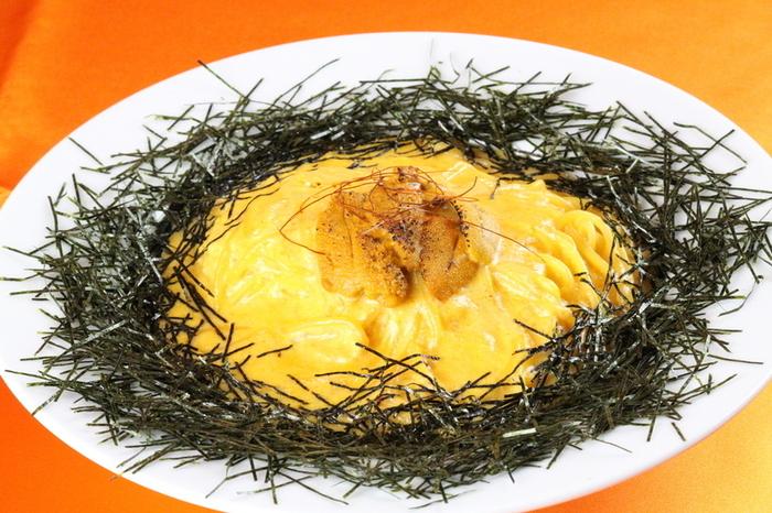 お料理もおいしく、ウニがそのままのったウニボナーラはぜひ一度食べたいお料理。三軒茶屋駅、池尻大橋駅から徒歩10分です。