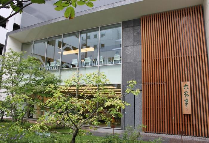 2015年7月にオープンした「札幌本店」。1階は店舗、2階は喫茶室、他にもヤマハ音楽教室やギャラリー・ホールなどが集まった、複合施設となっています。
