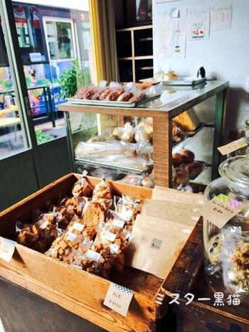 いかがでしたか?新しいけど、どこか懐かしさを感じる素敵なお店&パンたちですね。 ぜひ立ち寄って、人気のコッペパンを試してみてください。