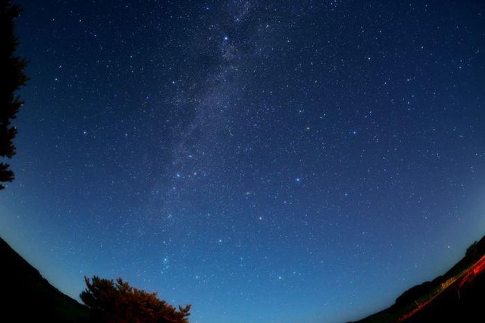 《ひろのまきば天文台》と天の川