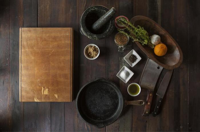 お気に入りの道具を使いながらのお料理はとても楽しいものですね。使用頻度の高いものなら使い勝手はとても気になるポイントです。また、今まであまり使っていなかった道具でも、良いものと出会うことでお料理の仕方や食卓が変わるかもしれません。
