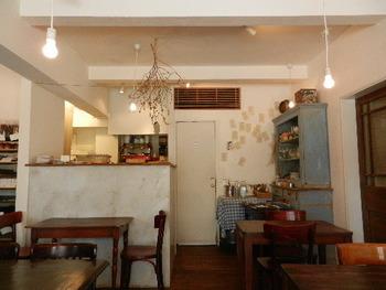 店内も外国の様でとてもおしゃれ。テラスもあるのでとても開放的で気持ちがいいです。