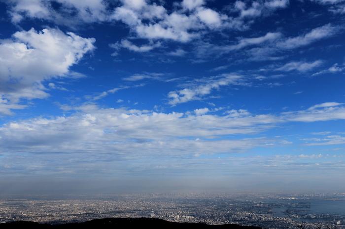 六甲山山頂からの眺め。爽快な気分になれます。
