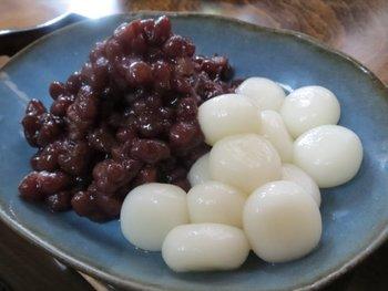 もきゅもきゅの白玉もとっても美味。ほっくり粒あんと白玉団子は相性抜群ですよ?