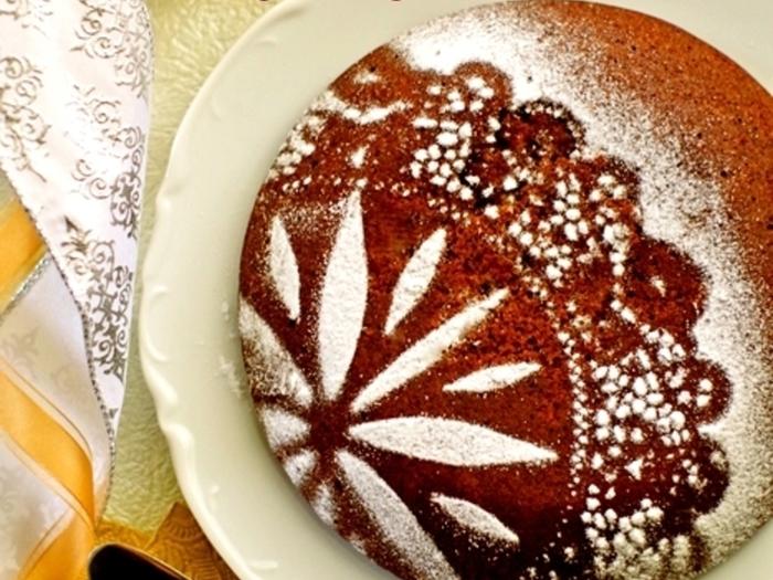 ホットケーキミックスを使って炊飯器で炊き上げるチョコレートケーキ!簡単ですが、ふんわり・しっとりとした味わいは本格的です。