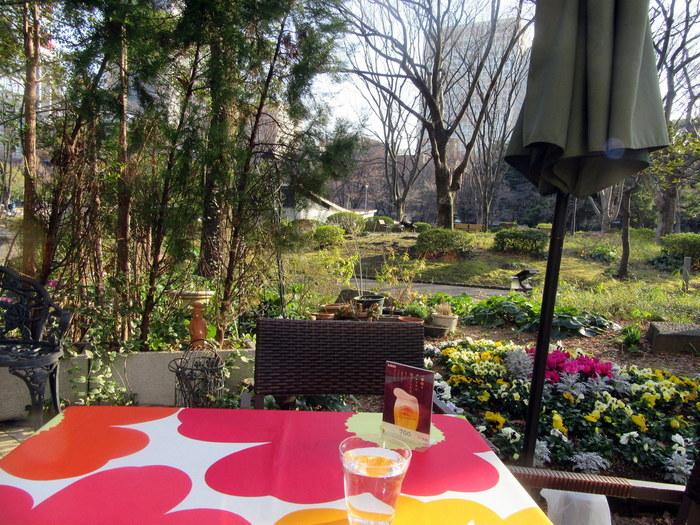 日本における初めて洋式公園が誕生したのは明治39年、それが日比谷公園でした。日比谷公園と同時に誕生したのが日比谷松本楼。