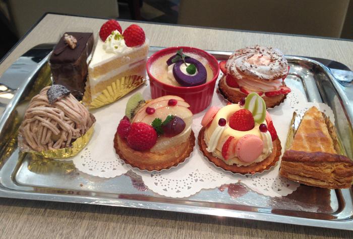 平日限定になってしまいますが、パティシエ特製のケーキもあります。 8種類ほどデザートが用意されているので、選ぶのも楽しいですね!
