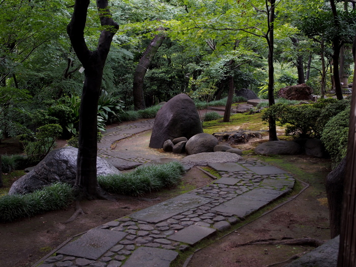 コンクリートジャングルな東京にも、実は庭園が多く、訪れる私たちを癒してくれます。