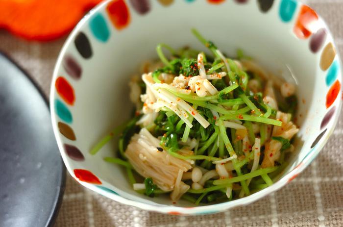 豆苗に生姜と七味唐辛子を合わせたさっぱり系副菜です。箸休めに良さそうですね!