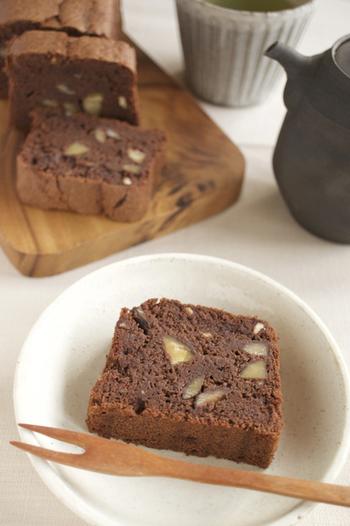 小麦の代わりに麸を使ったヘルシーなガトーショコラは、軽いのにしっかり濃厚な味わい。