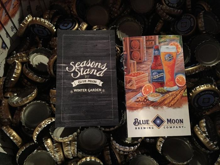 """""""もっと美味しく季節を楽しむ""""をコンセプトに生まれた、「Seasons Stand by BLUE MOON」は、全米No.1クラフトビール「BLUE MOON」とよく合うフードメニューを取り揃えたスタンドです。 BLUE MOONの他にも、ストロベリーBLUE MOONなど様々なミックスビールを取り揃えており、ビール好きにはたまりません!"""