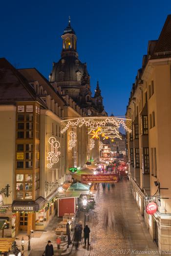 クリスマスマーケットはこのドイツ・ザクセン州にあるドレスデンがはじまりです。クリスマスに訪れてみたいものです。夢がたっぷり詰まった、ロマンチックなマーケットです。