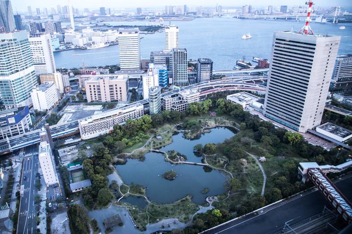 徳川家ゆかりの庭園である旧芝離宮恩賜庭園。