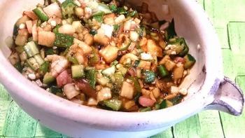 きゅうりなどのパリパリ感がおいしいだしですが、長芋などを入れるとネバネバ食感が加わって楽しいですね。