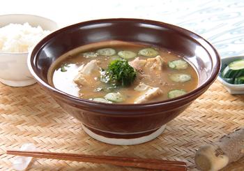 山形のだしのほかにも、宮崎の冷や汁など、夏にはきゅうりやなすを使った郷土料理が多いですね。夏の体が求める栄養素がいっぱいです。