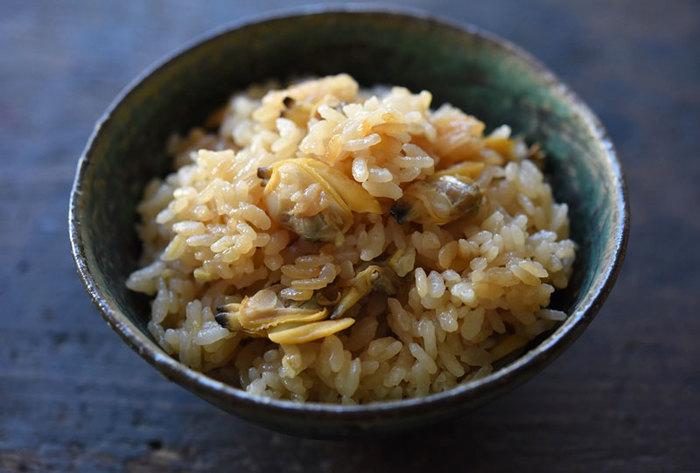 こちらも春に食べたいあさりの炊き込みご飯♪出汁はあさりからのみ!旨味を存分に楽しみましょう。