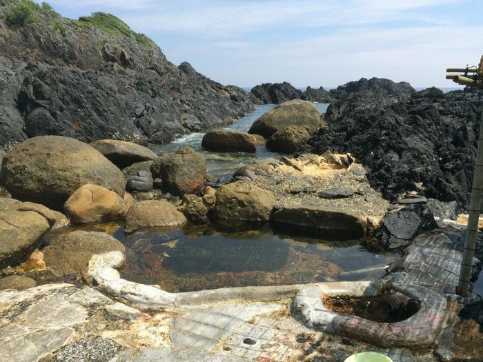 温泉の透明度が何とも言えないです。 屋久島に行った際には、是非立ち寄りたいですね!