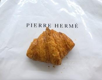 なんと!  こちらのクロワッサンがフィガロ誌が選ぶ「2013 Best Butter Croissants in Paris」に選ばれた!そうなんです。