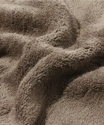 柔軟剤を使ってさらにフワフワにさせたいところですが、マイクロファイバーの繊維を痛めたり耐久性を弱めてしまうことがあります。