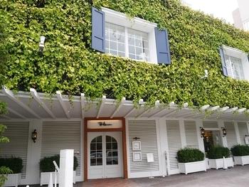 玉川高島屋横にロンハーマン路面店ができました!その三階に、ロンハーマンカフェがあります。