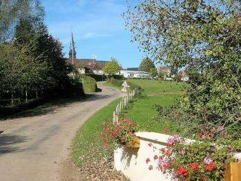 フランス北西部ノルマンディ地方のカマンベール村で製法が確立されたことが名の由来だそう。