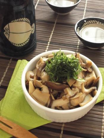 キノコとわさびで、和風のココットカマンはいかが? 麺つゆ味で日本酒に合う美味しさです。
