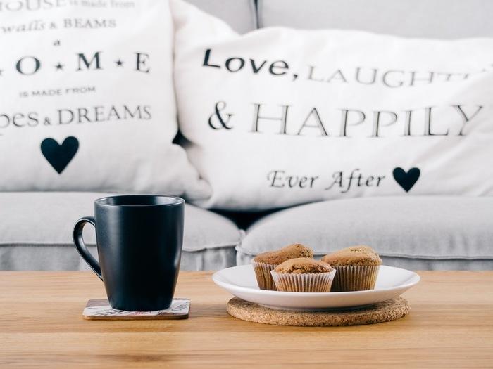 ほっと一息のコーヒータイムに、とっておきのおやつがあれば、さらに気持ちも安らぐひとときに。 その日の気分に合わせて、コーヒーにぴったりのとっておきのおやつと一緒に、 日々の疲れを忘れさせてくれる幸せな時間を過ごしてみてくださいね。
