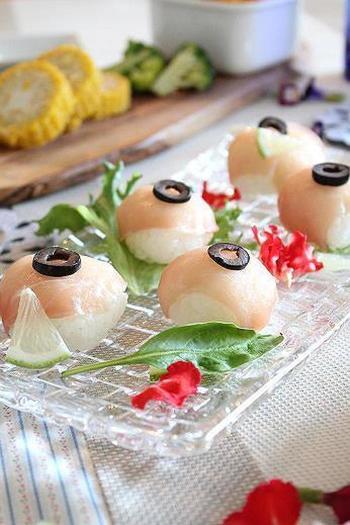 レモンをごはんに混ぜた、さっぱりとした洋風てまり寿司。お客さまが1口食べてあっ!と驚く、楽しいおもてなしができそうです♪
