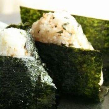 こちらは、焼き海苔とごま油、岩塩で作る自家製韓国海苔のレシピ付き♪韓国海苔が食べたいけど、おうちに無い・・・!という人は、是非チャレンジしてみてくださいね。