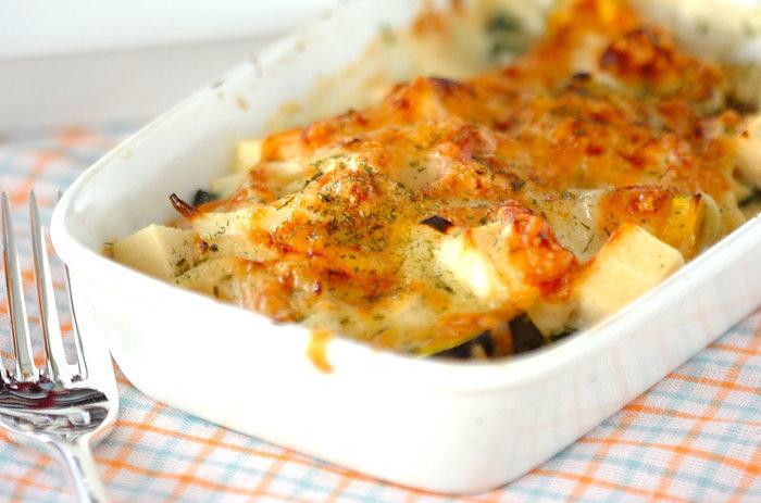 お鍋一つで出来るレシピなら、お鍋を使わず直火で野田琺瑯で具材を炒めてチーズを乗せたらそのままオーブンへポン。 洗い物が格段に楽。