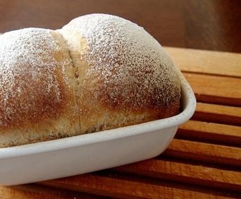色んな形やサイズの野田琺瑯でパンを焼いてみたいですね。