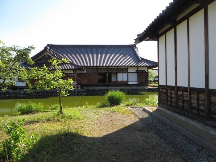 町民たちが作った日本で最初の教育場として有名ですが、今で言う小学校から大学までの一貫校のイメージです。